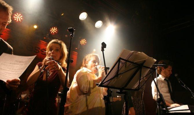 animation-karaoke-avec-groupe-de-musique_1